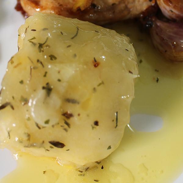 Mandioca com Manteiga de Garrafa e Ervas